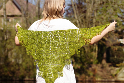 acreativebeing-shawl-wars-part-II-gathering-leaves-shawl-5-960x640