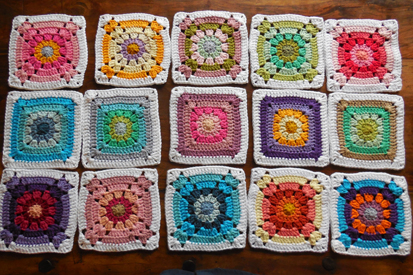 table-runner-granny-squares